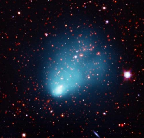 Chandra finds largest galaxy cluster in early universe