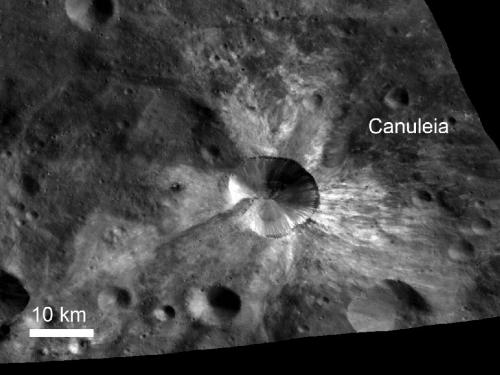 Dawn sees new surface features on giant asteroid