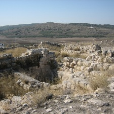 Desecrated ancient temple sheds light on early power struggles at Tel Beth-Shemesh