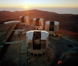 ESO team succeeds in linking telescopes at Paranal Observatory into giant VLT