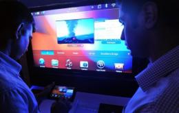 Indians try out the BlackBerry PlayBook