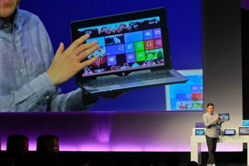 Microsoft's Wei Qing introduces the new tablet and Windows 8 software to the media