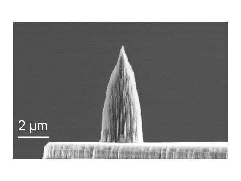 Nanometer-scale diamond tips improve nano-manufacturing