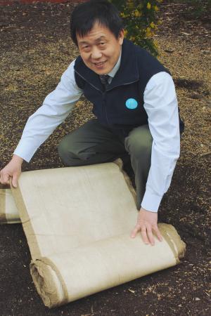Циновки из льняной соломы — новый экологичный материал для мульчирования