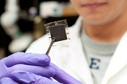 Opposites attract: Researcher reports milestone in fuel cell membrane research