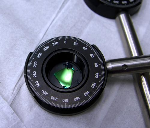 Organic crystals put laser focus on magnetism