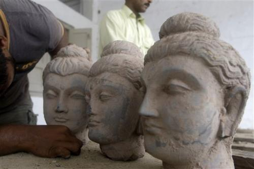 Pakistan struggles with smuggled Buddhist relics