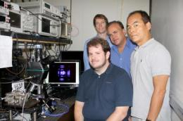 Physicists achieve world's first violet nonpolar vertical-cavity laser technology