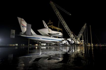 Smithsonian welcomes Discovery to space collection (AP)