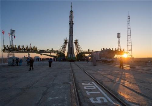 Soyuz put in place for mission to space station