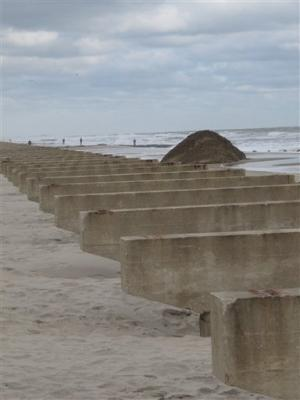 Superstorm shines light on federal beach program