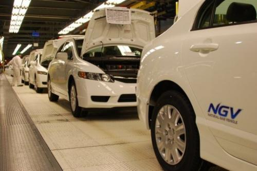 The assembly line of Honda's compressed natural gas Civic GX