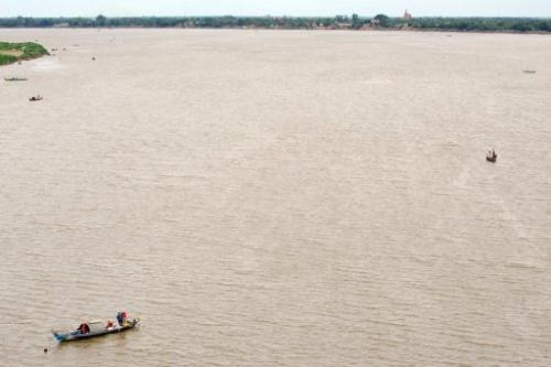 The US has urged caution on plans by Laos to build a multibillion-dollar dam that has raised environmental concerns