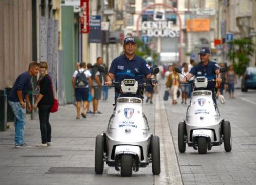 Three-wheeled electric vehicles in use by French police