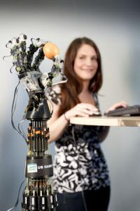 Whether grasping Easter eggs or glass bottles -- this robotic hand uses tact