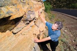 New model of geological strata may aid oil extraction, water recovery and Earth history studies