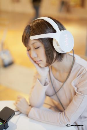 Brain wave-sensing Mico headphones dictate mood-worthy tune