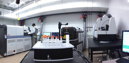 Brown unveils powerful new mass spectrometers