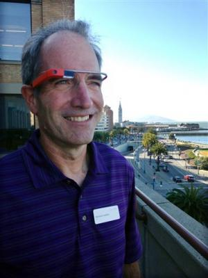Exploring Google Glass through eyes of early users