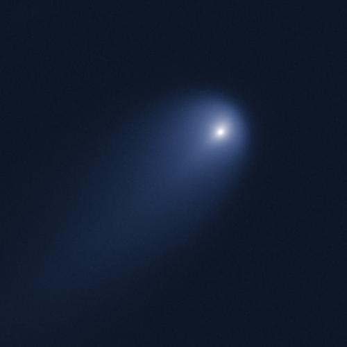 Hubble brings faraway comet into view