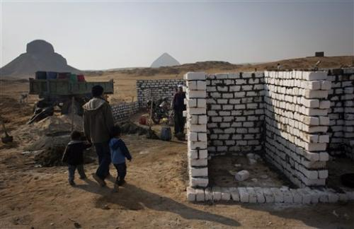 New cemetery endangers Egypt's ancient necropolis