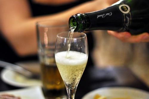 North Atlantic atmospheric oscillation affects the quality of cava