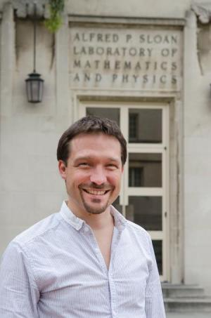 A mathematical approach to physical problems: An interview with Rupert Frank