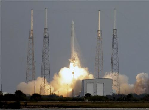 SpaceX working to fix Dragon capsule's thrusters