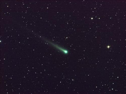 Will icy comet survive close encounter with sun?