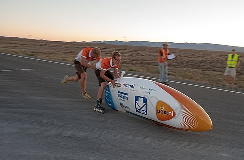 Delft high-tech bike sets new world record