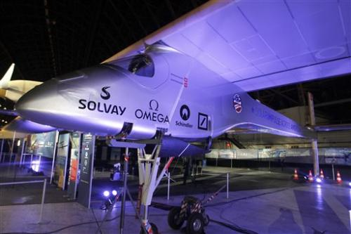 Solar-powered plane plans flight across US
