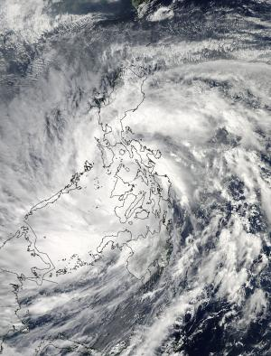 NASA sees Super-Typhoon Haiyan maintain strength crossing Philippines