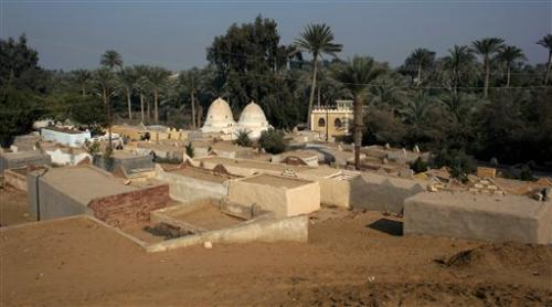New cemetery endangers Egypt's ancient necropolis