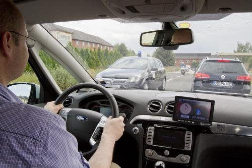 Networked cars make traffic safer and more efficient