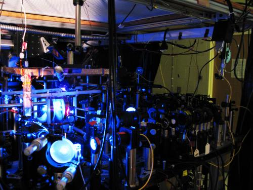 Researchers report first entanglement between light and an optical atomic coherence