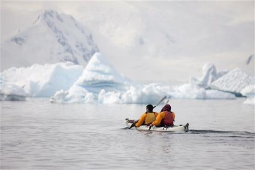 Antarctica concerns grow as tourism numbers rise
