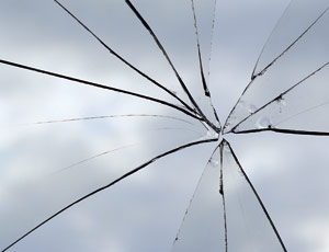 Researchers find number of cracks in struck glass related to speed of projectile