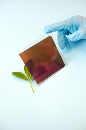 Team of physicists find perovskite can be used in conventional solar cell architecture