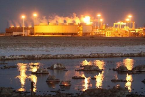 A geothermal energy plant taps deep underground heat on July 5, 2011 near Calipatria, California