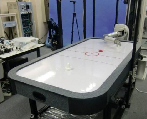 Namiki Lab air hockey robot can play with strategy (w/ Video)