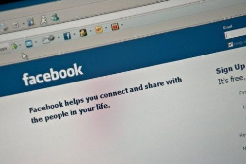 A minister in Venezuela is urging her countrymen to cancel their Facebook accounts lest they be targeted by US snooping