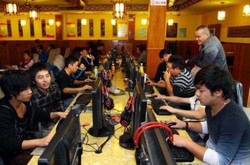 An Internet cafe in Jiashan, east China's Zhejiang province, November 2, 2012