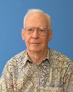 Astronomer George Herbig вies at фge 93