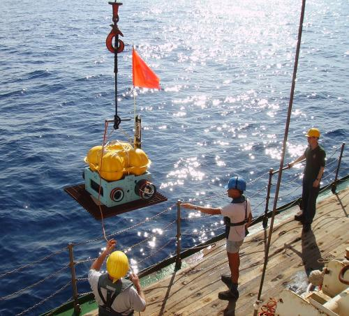 Deploying an ocean bottom seismometer