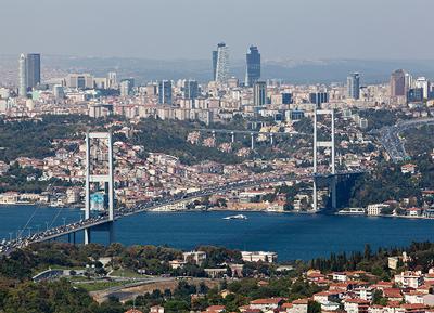 High-tech suspension bridge for Istanbul