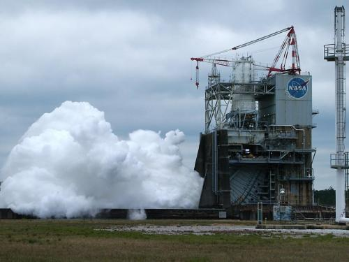 Hot fire tests steer space launch system engines