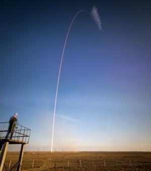 Image: Arcing towards orbit