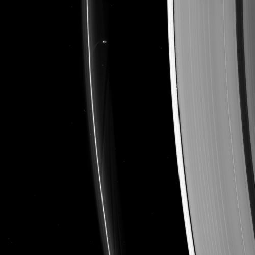 Image: Prometheus sculpts Saturn's F ring