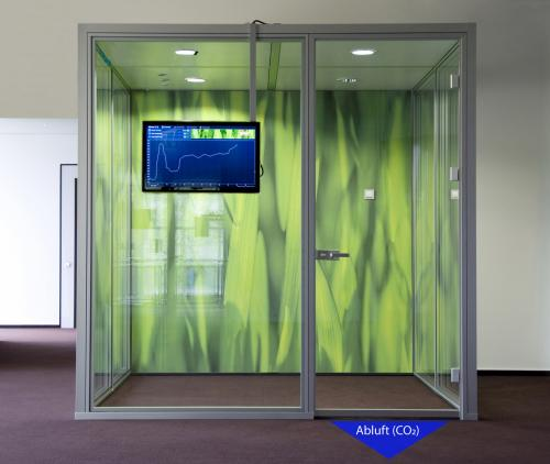 Intelligent door seal prevents poor air quality