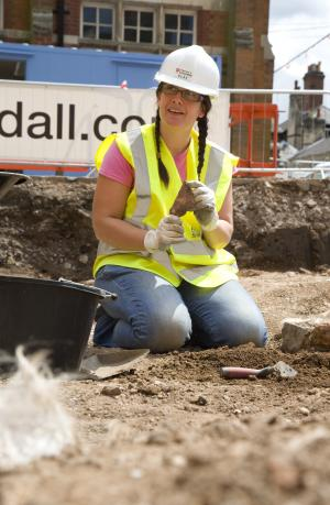 Interns describe 'fantastic' first week at Richard III dig site